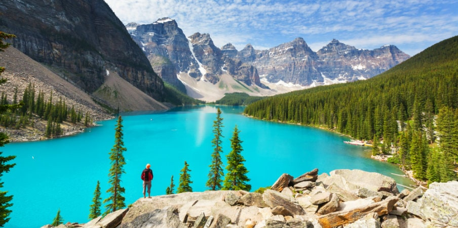 beautiful moraine lake at banff national park
