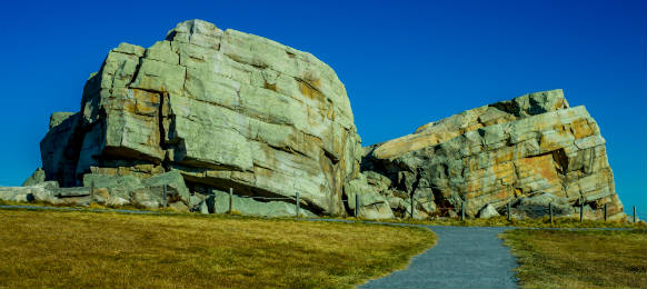 okotoks erratics big rock canada