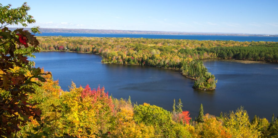 spectacle lake overlook in rimley, michigan