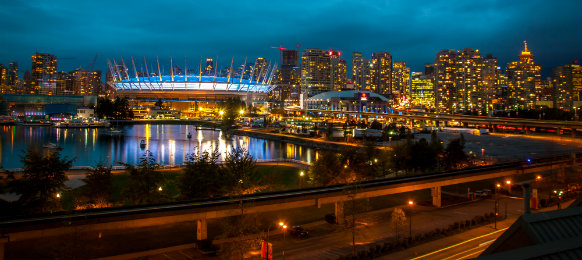 the lovely sight of vancouver in canada at night